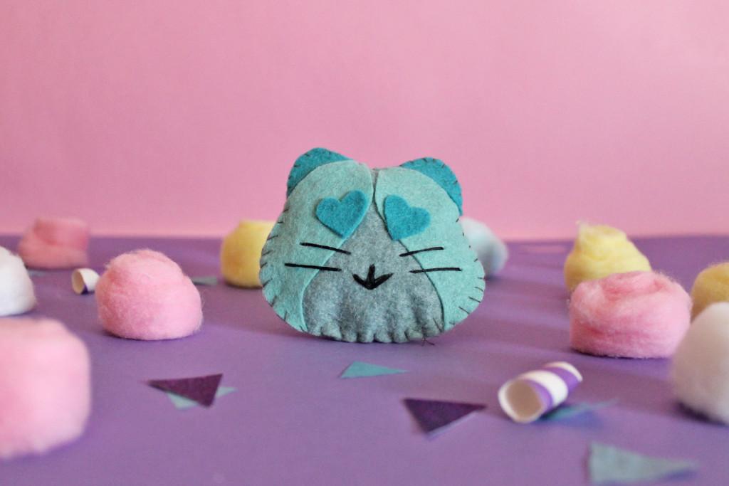 Il vostro gattino di feltro è pronto!