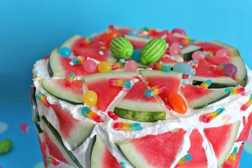 Torta-sorpesa-anguria-super-colors-estate-2