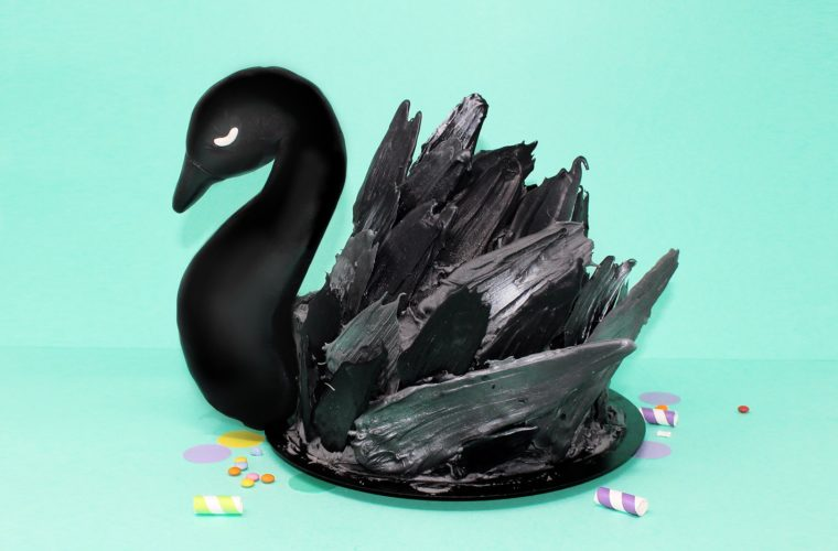 torta-cigno-nero-super-colors-paintbrush-cake-black-swan-mint-min