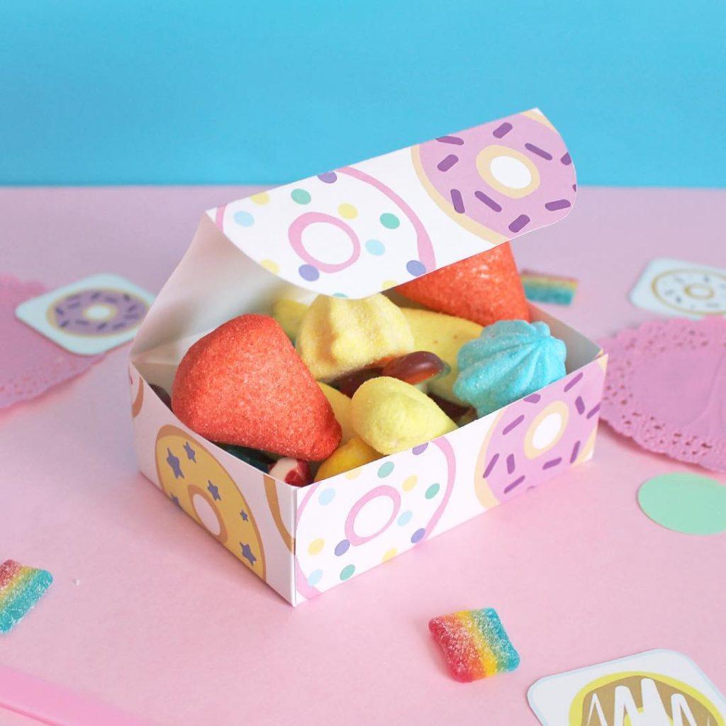 scatola-porta--caramelle-fai-da-te-super-colors