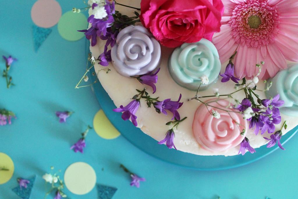 ricetta-torta-trionfo-di-fiori-arcobaleni-supercolors