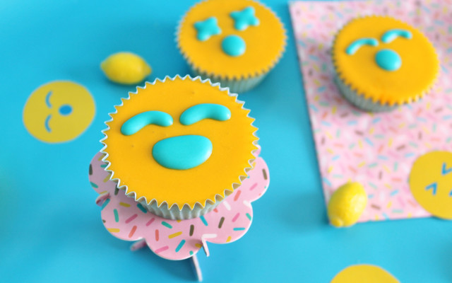 emoji-party-cupcake-sole-emoji-supercolors-10