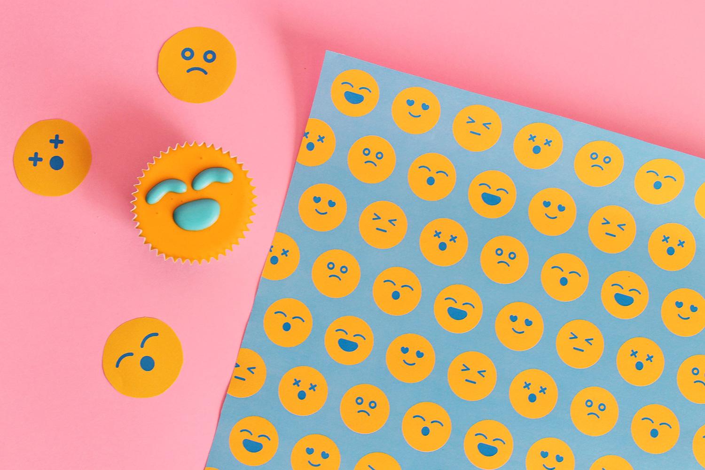 carta-regalo-emoji-sole-supercolors