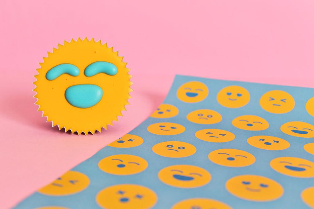 carta-da-regalo-emoji-supercolors