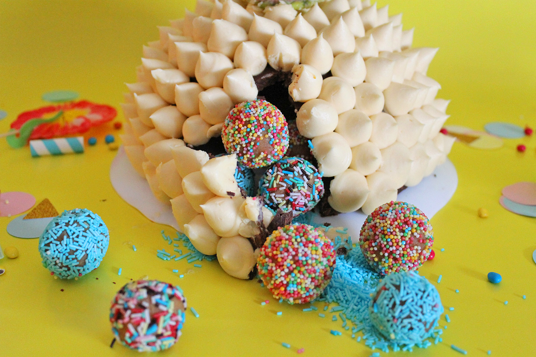 torta-sorpresa-ananas-pinatas-supercolors-6
