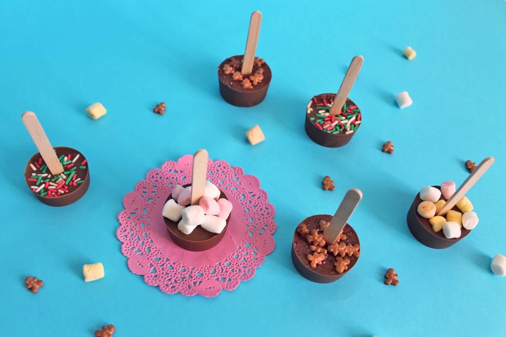 mini-cioccolate-calde-su-stecco-regalo-super-colors-super-natale-1