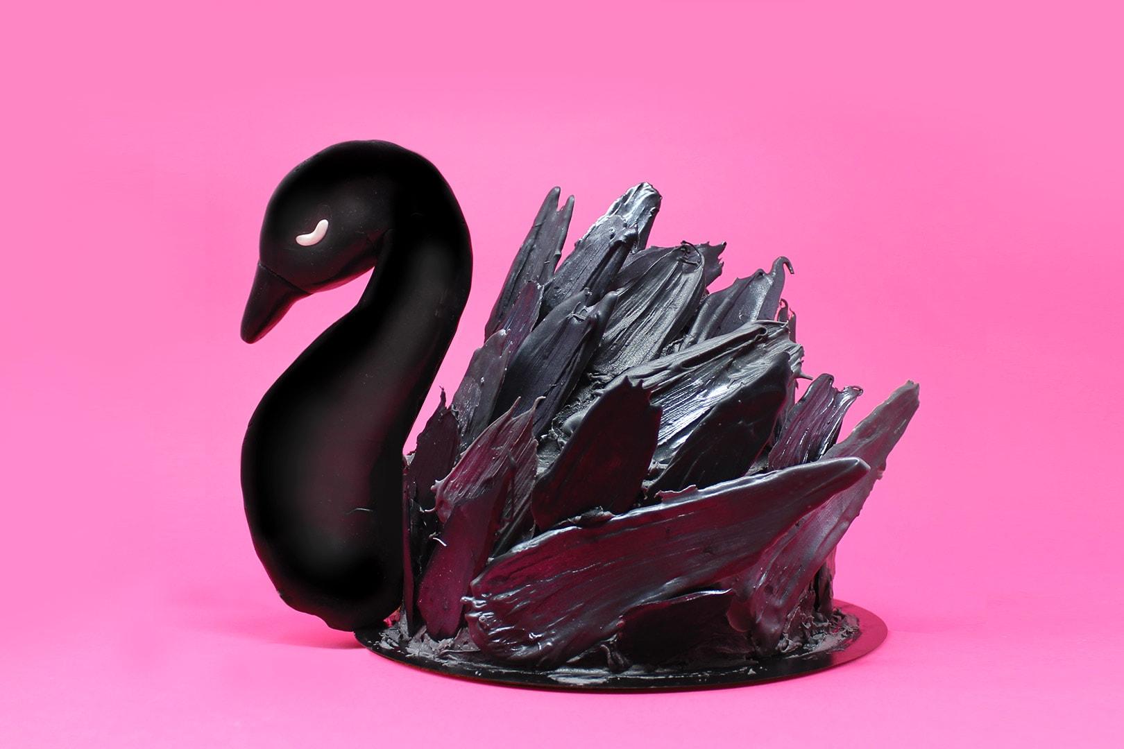 torta-cigno-nero-super-colors-paintbrush-cake-black-swan-4-min
