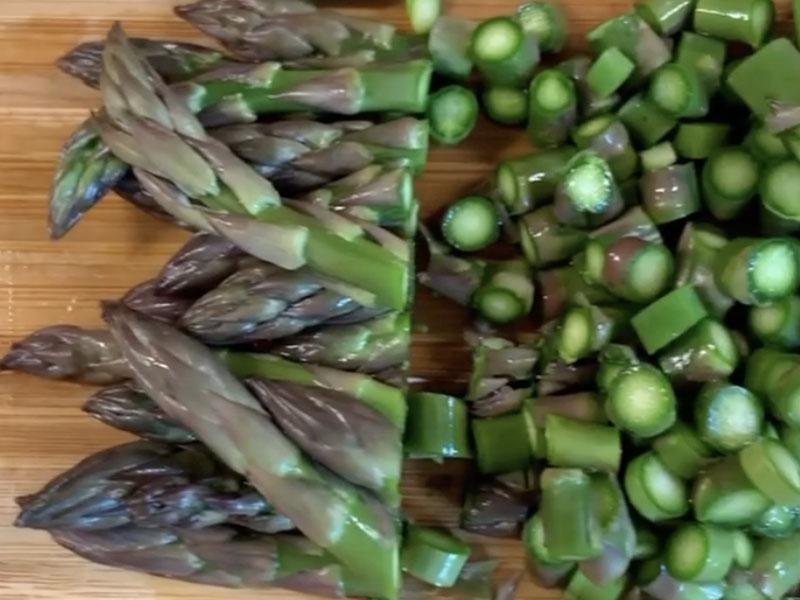 tagliare-teste-asparago